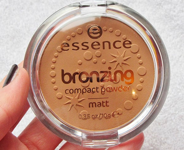 Essence bronzing compact powder matt